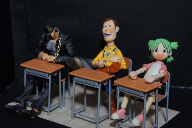 学校の机と椅子04.jpg